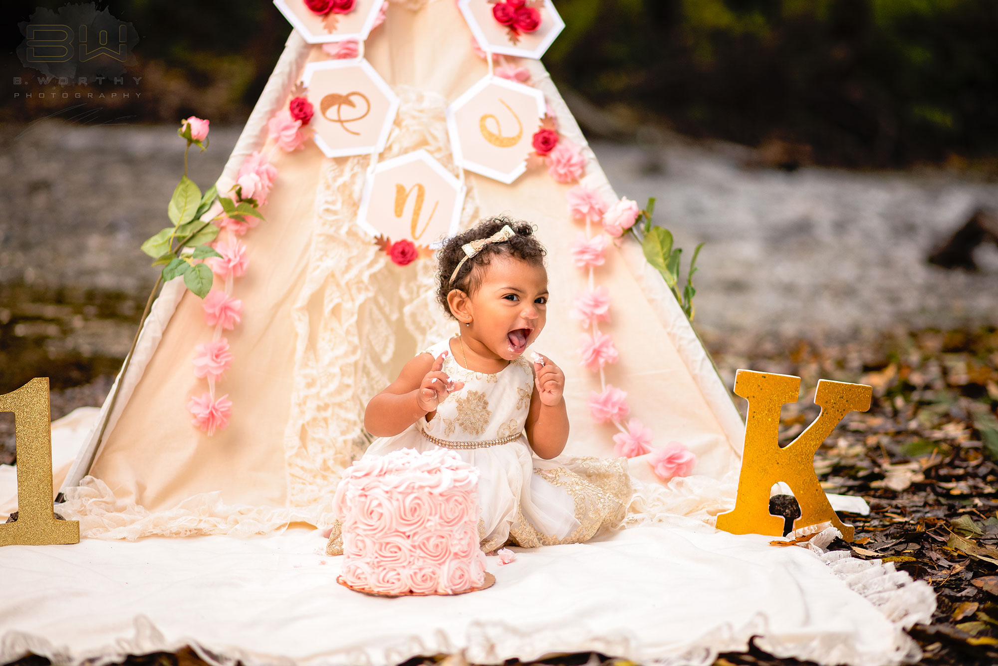https://bworthyphotography.smugmug.com/BW-Website-Family-Session/Khaleesi-Cake-Smash