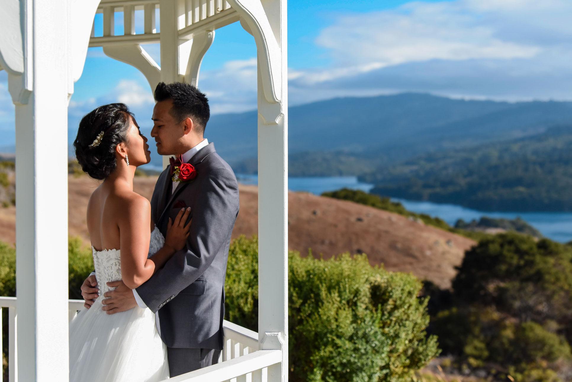 https://bworthyphotography.smugmug.com/BW-Website-Wedding-Session/Yamasaki-Wedding