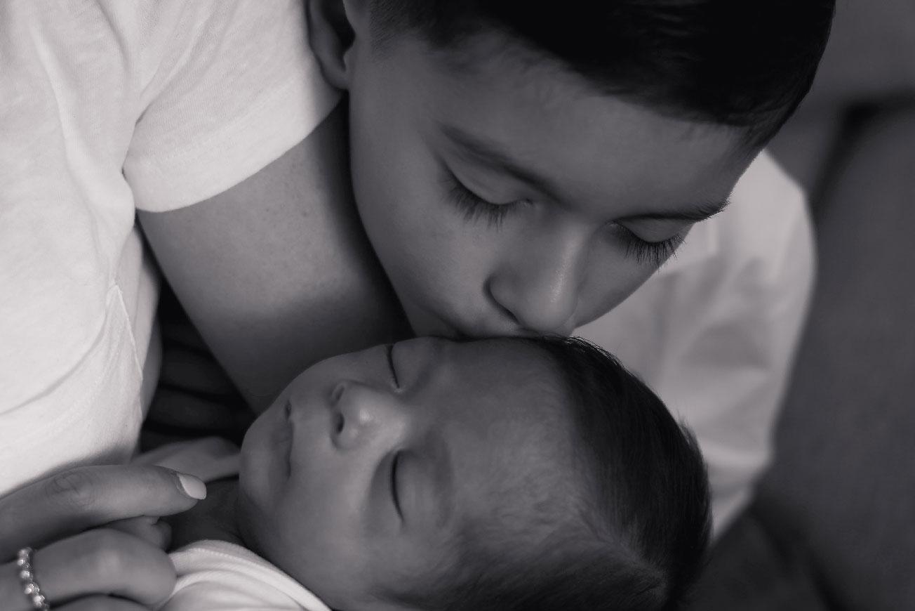 https://bworthyphotography.smugmug.com/BW-Website-Newborn-Session/De-La-Herran-Family-Session